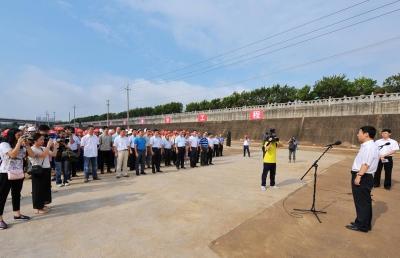 南宁市举行2016年第五次重大项目开竣工活动